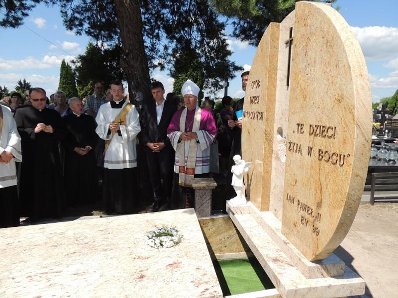 Ostrołęka: Pogrzeb dzieci utraconych
